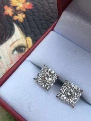 10k oro italiano verdadero con diamantes de primera calidad aretes 10k earrings with real diamonds 💎💯👌🎁 for man 👨 or Woman earrings 👩💎💯👌🎁💎🎁💎🎁💎🎁💎🎁💎🎁💎🎁 for Sale in Los Angeles, CA