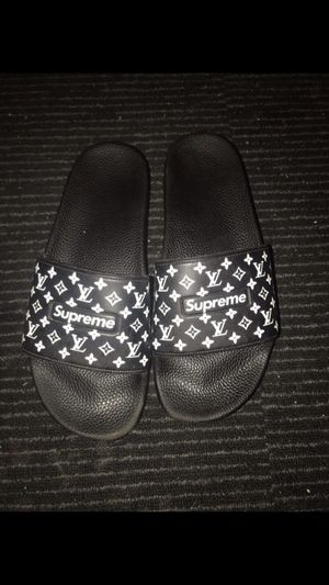 Louis vuitton's Supreme slides for Sale in Milwaukee, WI