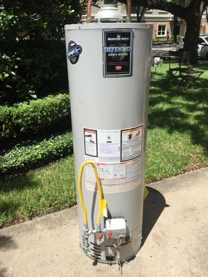 40 gallon gas water heater for Sale in Houston, TX