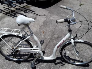 New Biria Low Step Easy boarding 7 speed bike with hybrid tires, 46cm frame, white - $320 FIRM. for Sale in Wesley Chapel, FL