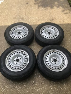 "Honda Element wheels and tires 16""x6.5"" 215/70/R17 for Sale in Jacksonville, FL"