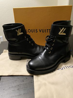 Louis Vuitton Women's boots size(6/.5) for Sale in Temecula, CA