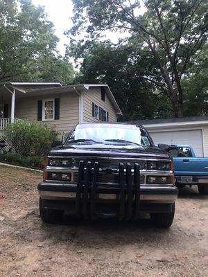 1996 Chevrolet 2 door Tahoe for Sale in Royston, GA