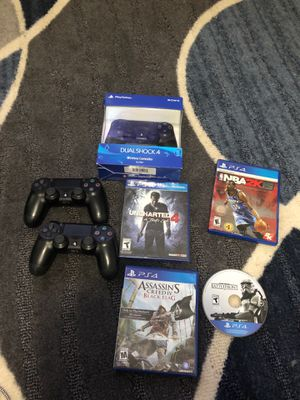 3 ps4 controllers and 4 game bundle for Sale in Fairfax, VA