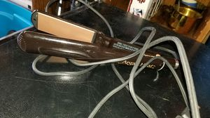 Argan heat hair straightener for Sale in Kent, WA
