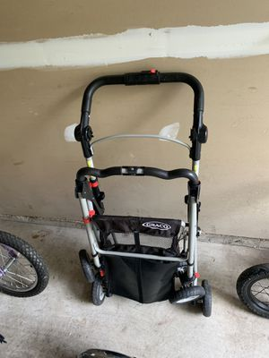 Graco snug rider stroller base for Sale in Vienna, VA