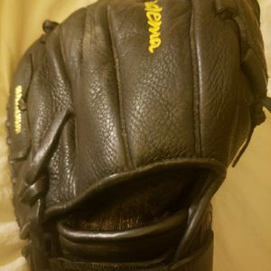 SOFTBALL FAST PITCH Akadema Reptilian Fastpitch Softball Glove: ATS77 for Sale in Phoenix, AZ