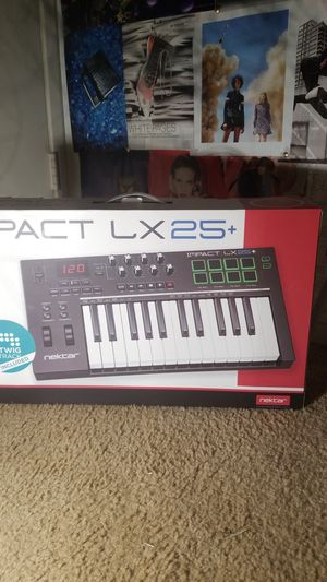 NEKTAR IMPACT LX25 Midi Controller for Sale in Costa Mesa, CA