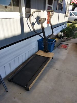 Self powered treadmill for Sale in NEW SALEM BRO, PA