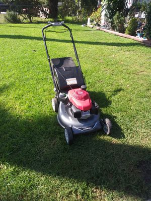 Honda lawn mower for Sale in Bell Gardens, CA