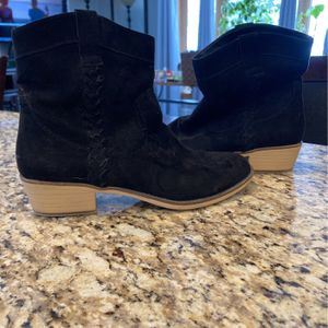 6.5 Black Ankle Bootie for Sale in Livonia, MI