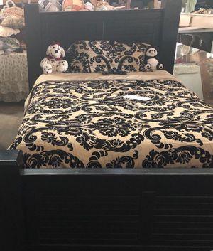 Queen sized Bed Frame for Sale in Enterprise, AL