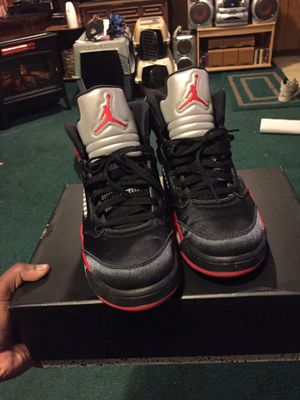 "Jordan ""Retro 5 Satin"" Size 9 for Sale in Dallas, TX"