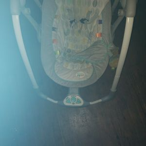 Baby Swing With Soothing Music for Sale in Cartersville, GA