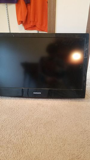 32 inch tv hdmi with DVD player built in for Sale in McHenry, IL
