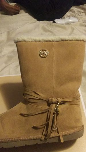 Michael Kors boots / Size 5y/ Cute !!! for Sale in Columbus, OH