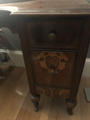 Antique desk and dressers 4 pieces for Sale in Boston, MA