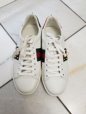 Gucci studded ace low top sneakers for Sale in Phoenix, AZ