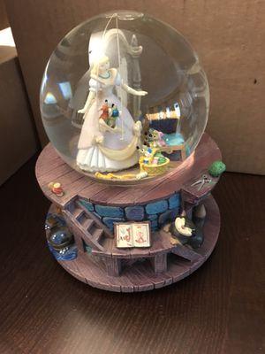 Disney snow globe Cinderella for Sale in Mount Prospect, IL