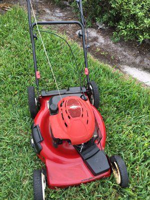 Toro Self Propelled Lawnmower / Lawn Mower for Sale in Oakland Park, FL