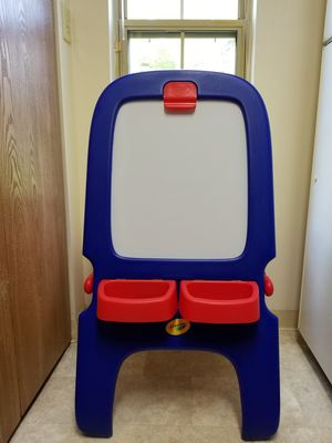 Crayola Magnetic Double Sided Easel for Sale in Bexley, OH