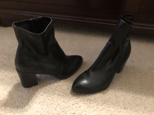 Black leather Booties size 8.5 for Sale in Haines City, FL
