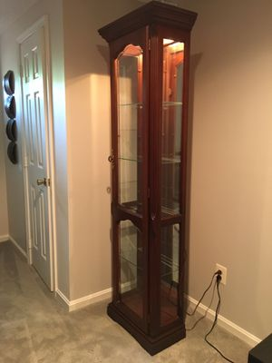 Curio cabinet for Sale in Jessup, MD