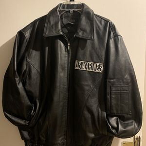 Beautiful large leather jacket for Sale in New Haven, CT