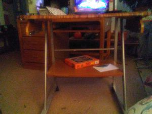 Small desk for Sale in Radford, VA