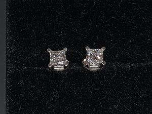 Diamond Earrings 3/4 CT TW Princess Cut 14k White Gold. for Sale in Chicago, IL