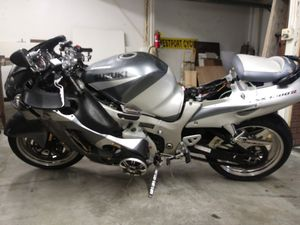 03 Hayabusa. CRASHED. PARTs BIKE for Sale in Berkley, MA