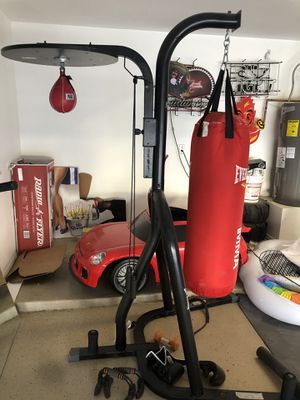 Everlast punching bag and speed bag for Sale in Avondale, AZ