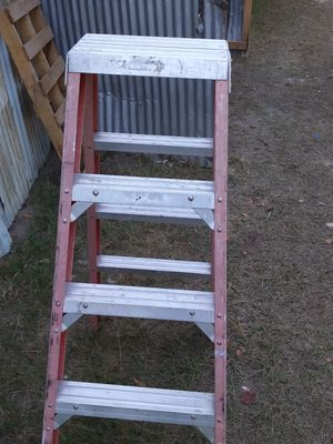 Lewisville 5 foot ladder for Sale in Houston, TX