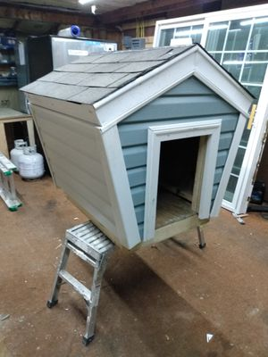Dog house for Sale in Mitchell, IL
