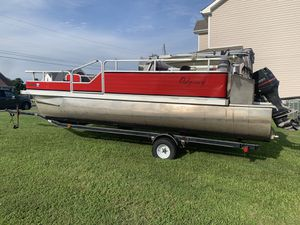 1995 Lowe pontoon boat for Sale in Clarksville, TN