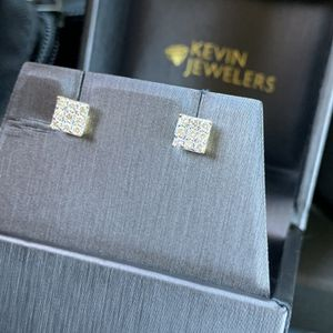 Diamond Earnings In 10k Gold for Sale in Pasadena, CA