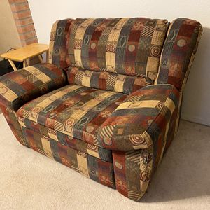 free COMFORTABLE recliner FREE! for Sale in Vancouver, WA