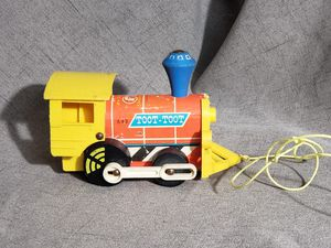 1964 Fisher-Price Toot-Toot Pull Train Collection Toy (READ DESCRIPTION) for Sale in Phoenix, AZ