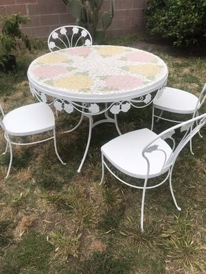 Beautiful rod iron patio set for Sale in Anaheim, CA