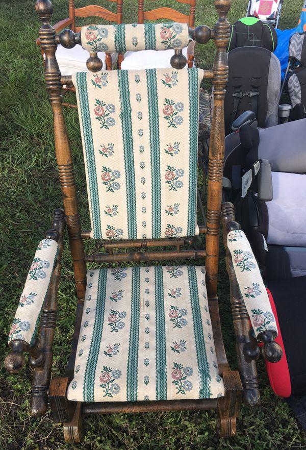 Antique wackiest chair