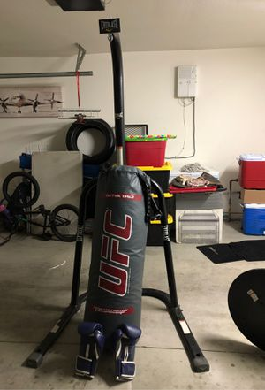 UFC Punching bag for Sale in Hesperia, CA