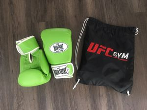 Pro Main Event Boxing Gloves 14oz Lime Green for Sale in Los Angeles, CA