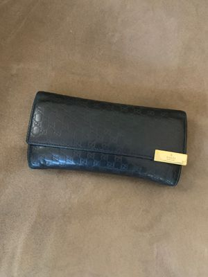 Gucci wallet- authentic for Sale in Las Vegas, NV