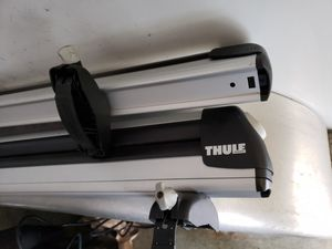"LARGE 36"" Thule car roof top 6 ski snowboard carrier rack aluminum for Sale in Mountlake Terrace, WA"
