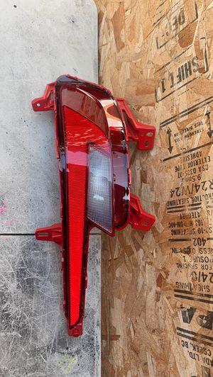 2019-2020 HYUNDAI ELANTRA REAR BUMPER REFLECTOR LIGHT LEFT DRIVER SIDE OEM for Sale in Torrance, CA