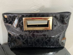 Michael Kors Clutch for Sale in San Diego, CA