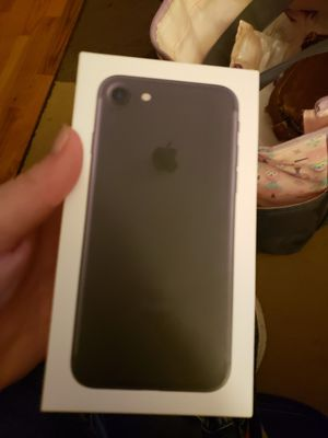 iPhone 7 + 50$ plan + case for Sale in Ashland, MO