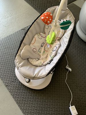4moms rockaRoo Baby Swing / Gliding Rocker for Sale in San Diego, CA