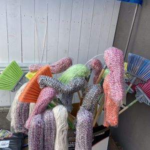 Broom And Mop for Sale in South El Monte, CA