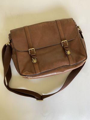 Fossil Men's messenger bag Leather for Sale in Redlands, CA